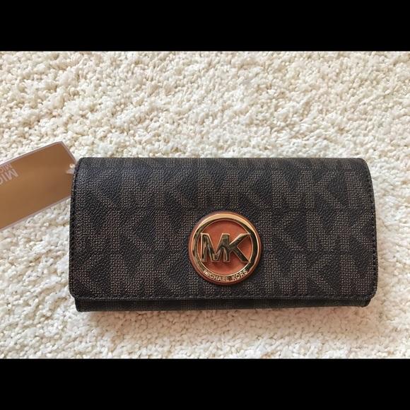 f7445f3e4f0a59 Michael Kors Bags | Nwt Signature Pvc Fulton Flap Wallet | Poshmark